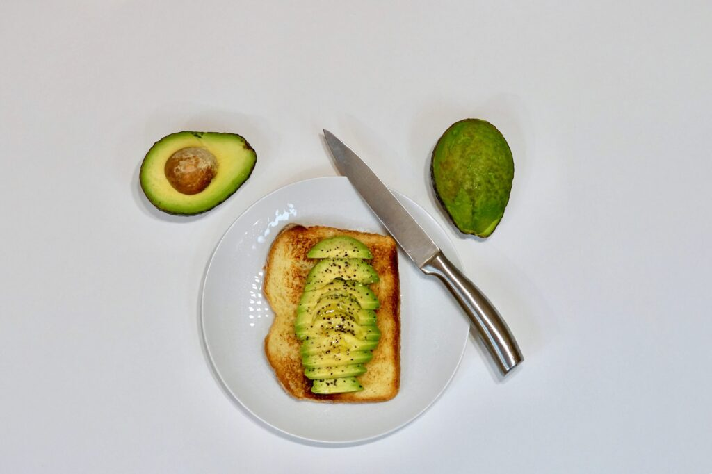 Desayuno gourmet a domicilio tosta de anchoas
